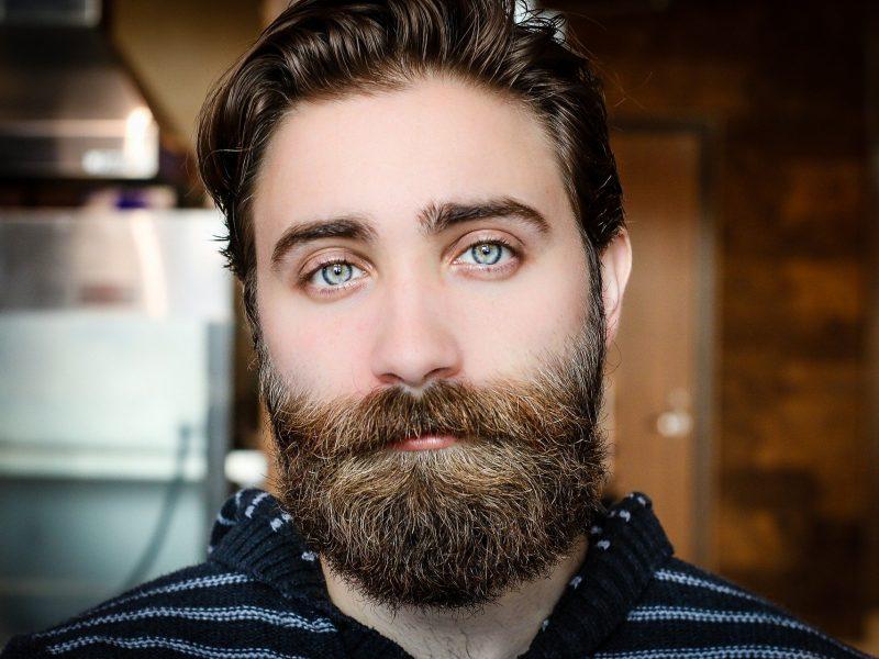 Pourquoi et comment choisir une cire à moustache ?